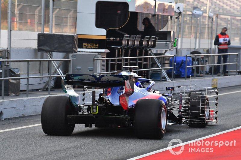 Scuderia Toro Rosso STR14 with aero sensors