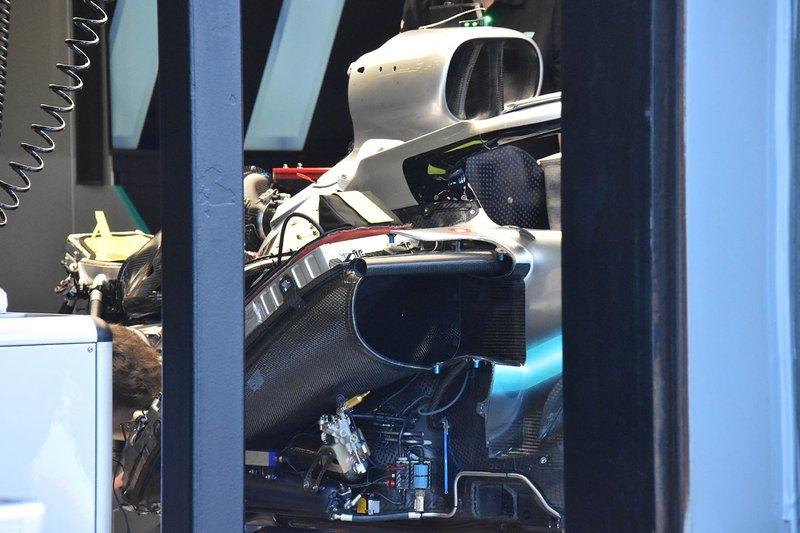Mercedes AMG F1 W10 motor detay