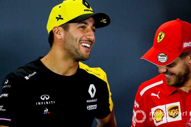 Daniel Ricciardo, Renault F1 Team e Sebastian Vettel, Ferrari, durante la conferenza stampa