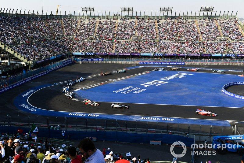 Pascal Wehrlein, Mahindra Racing, M5 Electro precede Oliver Rowland, Nissan e.Dams, Nissan IMO1 e Lucas Di Grassi, Audi Sport ABT Schaeffler, Audi e-tron FE05