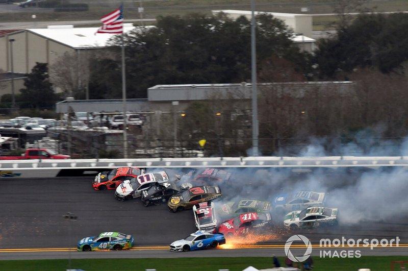 Big One: Massencrash beim Clash in Daytona