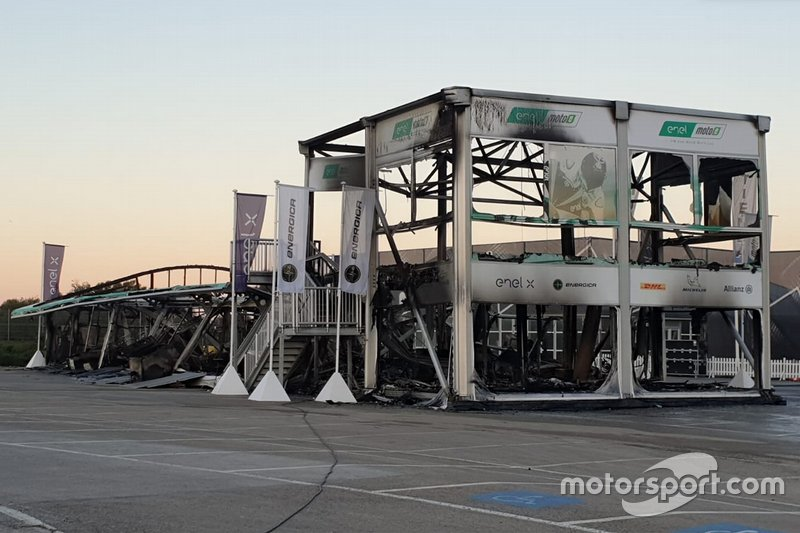 Fire in the Jerez paddock