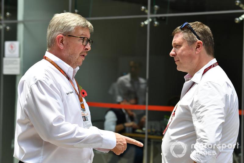 Ross Brawn, Formula One Director general de Motorsports y David Croft, comentarista de Sky TV
