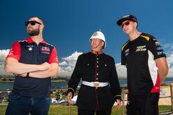 Shane van Gisbergen, Triple Eight Race Engineering Holden, Chaz Mostert, Rod Nash Racing Ford