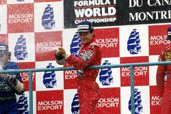 Podio: il vincitore della gara Ayrton Senna, McLaren, il secondo classificato Nelson Piquet, Benetton, il terzo classificato Nigel Mansell, Ferrari