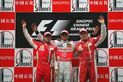 Podio: segundo puesto Felipe Massa, Ferrari, ganador de la carrera Lewis Hamilton, McLaren, tercer puesto Kimi Raikkonen, Ferrari