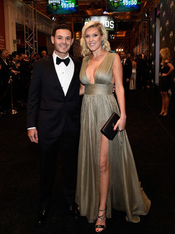 Kyle Larson, Chip Ganassi Racing Chevrolet, mit Freundin Katelynn Sweet