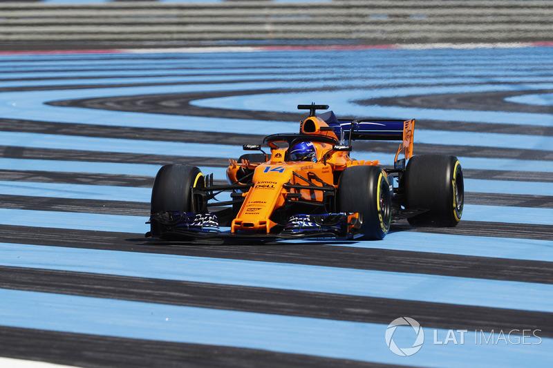 Fernando Alonso, McLaren MCL33, sort de la piste