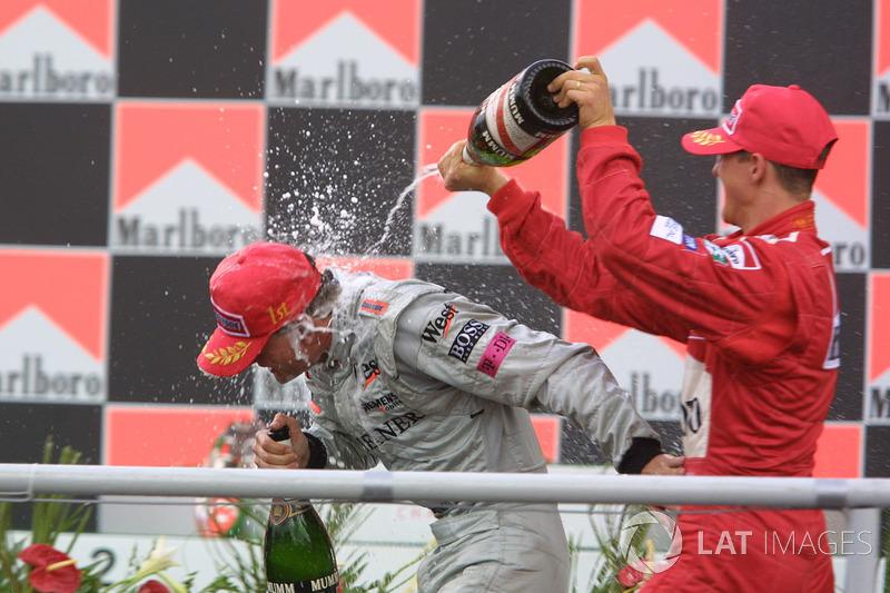 Le podium : David Coulthard et Michael Schumacher