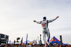 Sam Bird, DS Virgin Racing, festeggia sul podio
