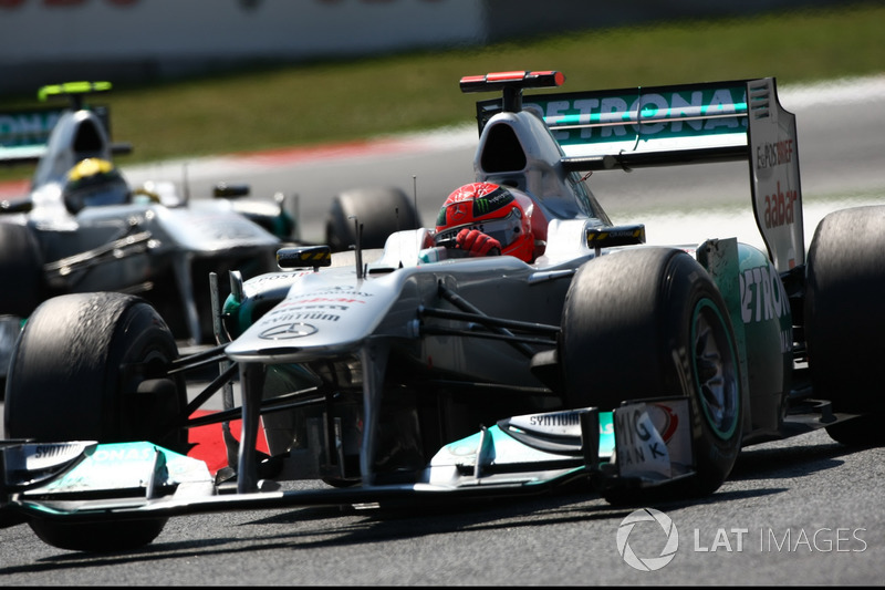 2011: Mercedes MGP W02 (одно четвертое место, 4-е место в КК)