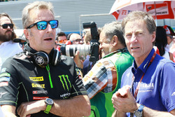 Hervé Poncharal, team manager Monster Yamaha Tech 3, et Lin Jarvis, directeur exécutif Yamaha Factory Racing