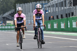 Sergio Perez, Sahara Force India and Esteban Ocon, Sahara Force India F1 cycle the track
