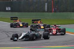 Valtteri Bottas, Mercedes AMG F1 W08, Kimi Raikkonen, Ferrari SF70H, Max Verstappen, Red Bull Racing