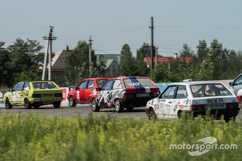 Старт гонки 1: класс ВАЗ-2108