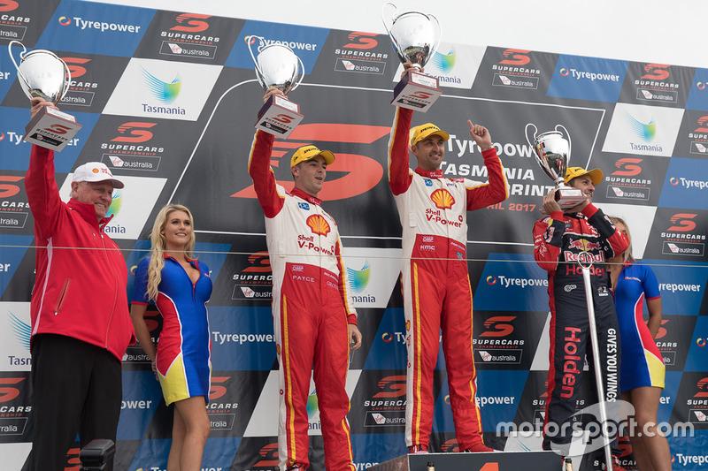 Podium: 1. Fabian Coulthard, Team Penske, Ford; 2. Scott McLaughlin, Team Penske, Ford; 3. Jamie Whi