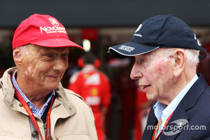(Soldan sağa): Niki Lauda ve John Surtees