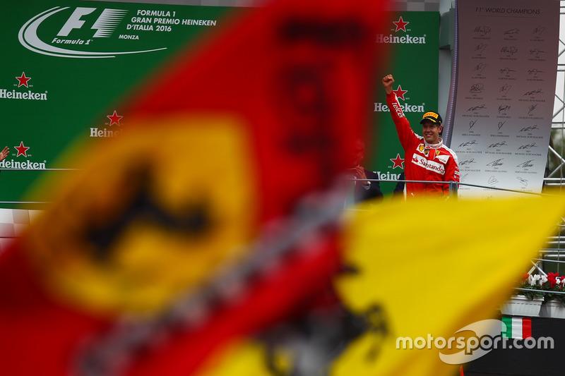 Podio: Sebastian Vettel, Ferrari SF16-H