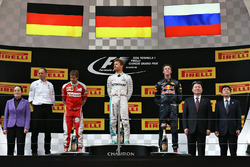 Podium: winner Nico Rosberg, Mercedes AMG F1 Team, second place Sebastian Vettel, Ferrari, third pla