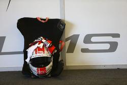 #26 Sainteloc Racing, Audi R8 LMS: Christopher Haase helmet