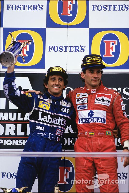 Pódio: ganhador da corrida Ayrton Senna, McLaren; segundo lugar de Alain Prost, Williams