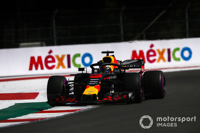 1: Daniel Ricciardo, Red Bull Racing RB14, 1:14.759