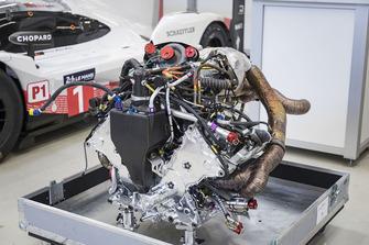 Le moteur de la Porsche 919 Hybrid Evo