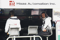 Haas team members on the pit wall