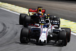 Lance Stroll, Williams FW40, Daniel Ricciardo, Red Bull Racing RB13