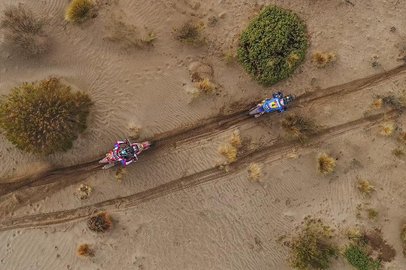 #4 Yamaha Official Rally Team Yamaha: Adrien van Beveren, #47 Honda: Kevin Benavides
