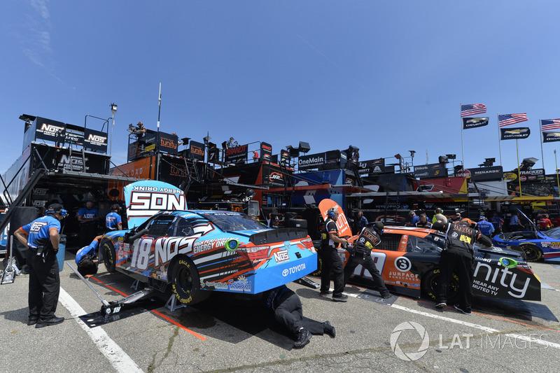 Kyle Busch, Joe Gibbs Racing Toyota, Matt Tifft, Joe Gibbs Racing Toyota