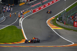 Max Verstappen, Red Bull Racing RB13, Daniel Ricciardo, Red Bull Racing RB1