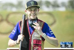 Гонщик Yamaha Factory Racing Валентино Росси, стрелковый клуб Лосаила