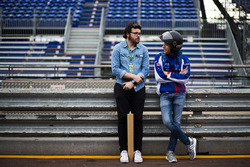 Autosport editörü Scott Mitchell, ve Robin Frijns, Amlin Andretti Formula E Team