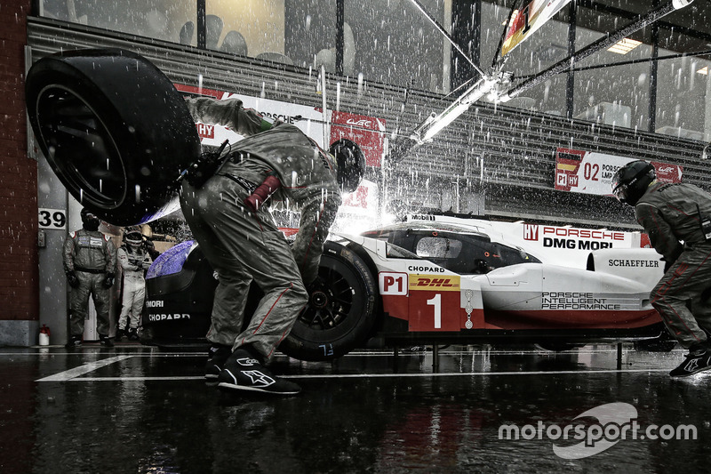 1. #1 Porsche Team Porsche 919 Hybrid: Neel Jani, Andre Lotterer, Nick Tandy