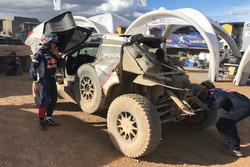 Поврежденная машина Карлоса Сайнса: #304 Peugeot Sport Peugeot 3008 DKR