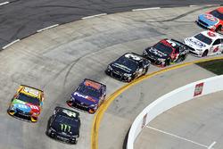 Kurt Busch, Stewart-Haas Racing, Ford; Kyle Busch, Joe Gibbs Racing, Toyota