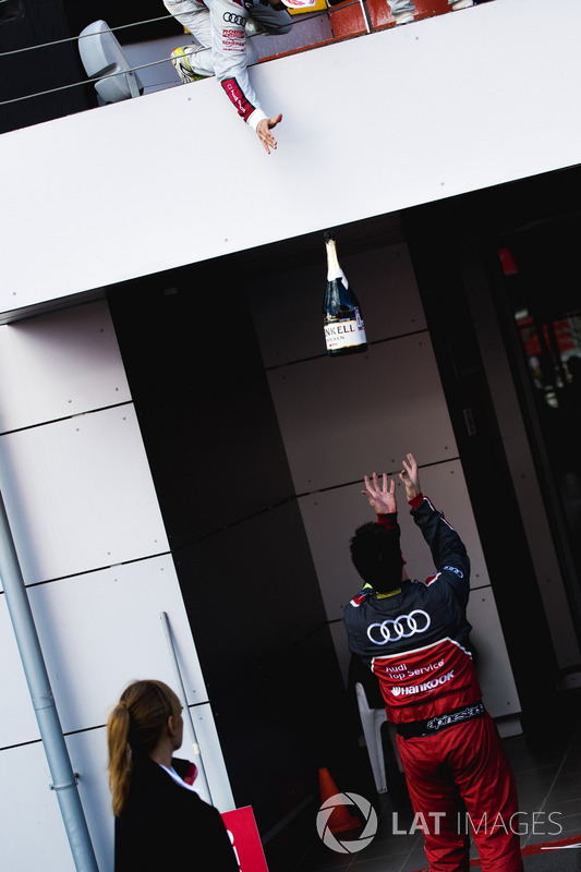 Batalla de Champaña por Audi Sport Team Rosberg miembro