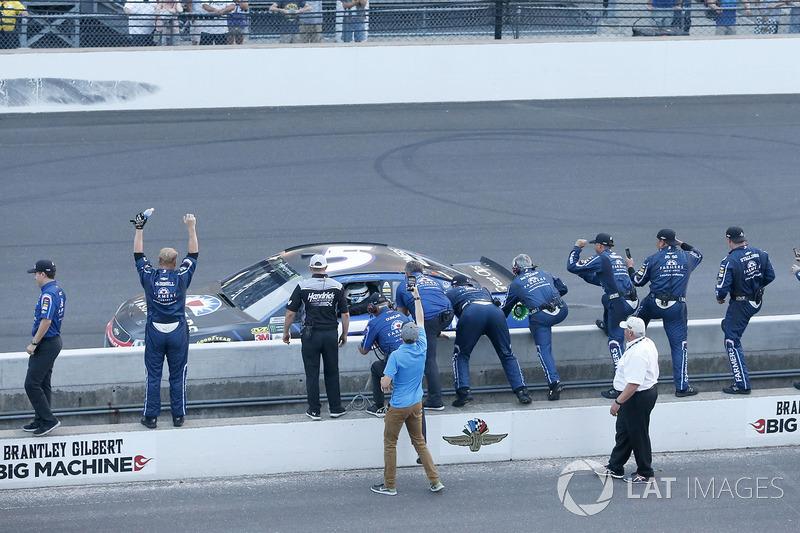 1. Kasey Kahne, Hendrick Motorsports Chevrolet