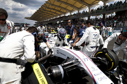 Valtteri Bottas, Williams, arrives on the grid