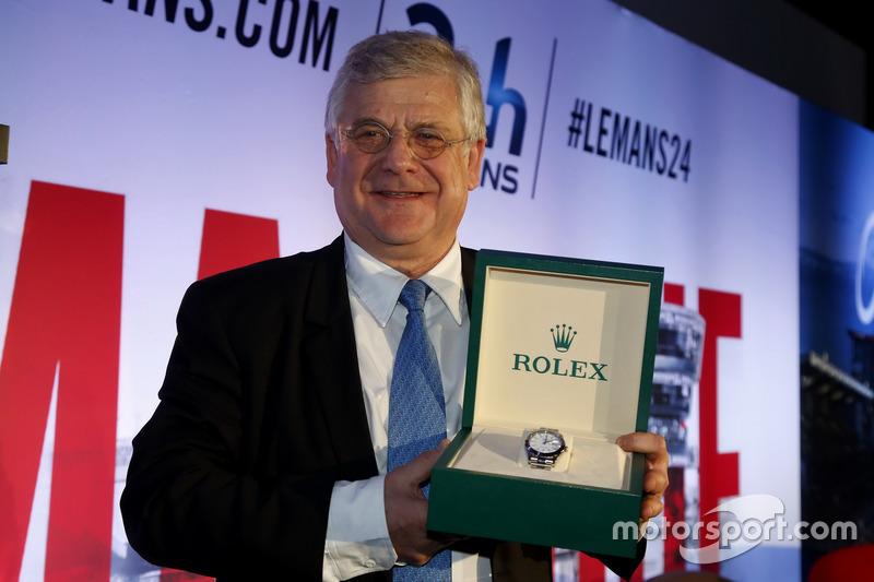 Conferencia de prensa de la ACO: premio Le Mans spirit para Jacques Nicolet