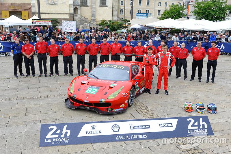 #82 Risi Competizione Ferrari 488 GTE: Джанкарло Фізікелла Тоні Віландер, Маттео Малукеллі