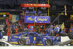 Jamie McMurray, Chip Ganassi Racing Chevrolet, pit action