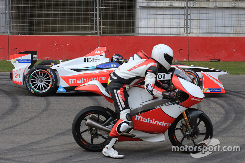 Nick Heidfeld, Mahindra Racing und Danny Webb, Mahindra MGP3O