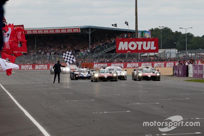 La #8 Toyota Gazoo Racing Toyota TS050: Sébastien Buemi, Kazuki Nakajima, Fernando Alonso, conquista la vittoria