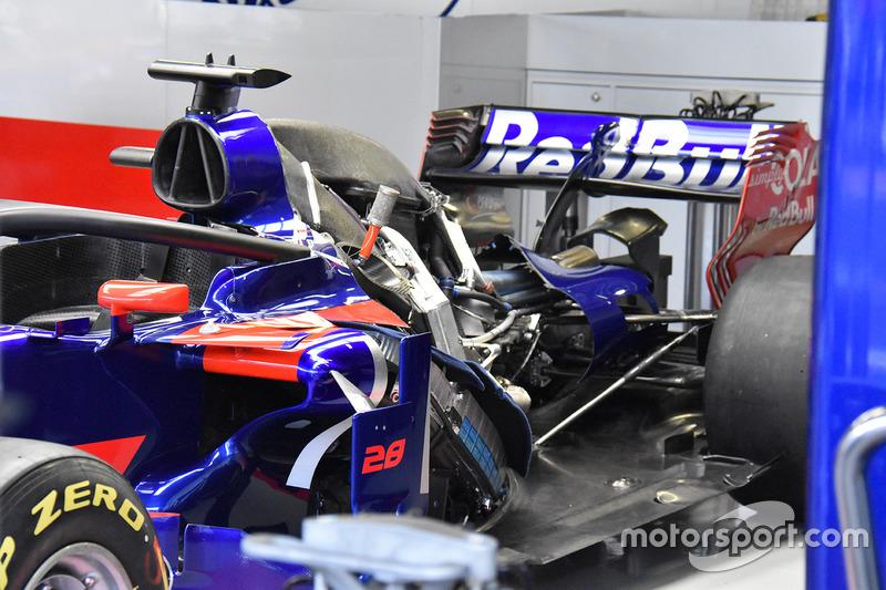 Toro Rosso STR12: Renault-Antriebseinheit mit Ölkühlern