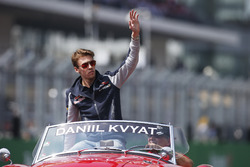 Daniil Kvyat, Scuderia Toro Rosso, in the drivers parade