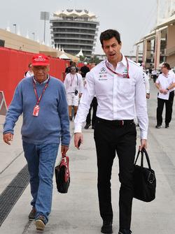 Niki Lauda, Mercedes AMG F1 Fahri Direktörü ve Toto Wolff, Mercedes AMG F1 Direktörü