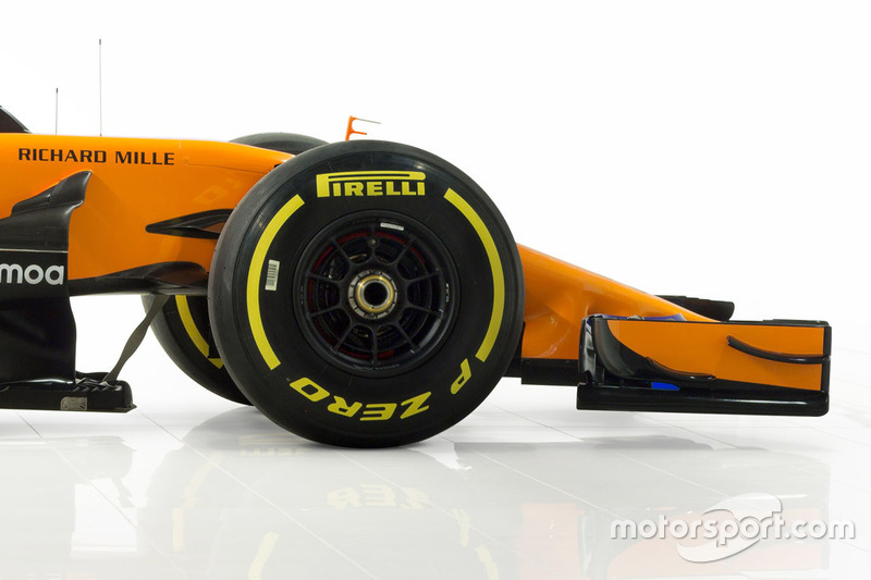 Передняя часть McLaren MCL33