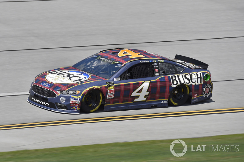 1. Kevin Harvick, Stewart-Haas Racing, Ford Fusion Busch Beer Flannel